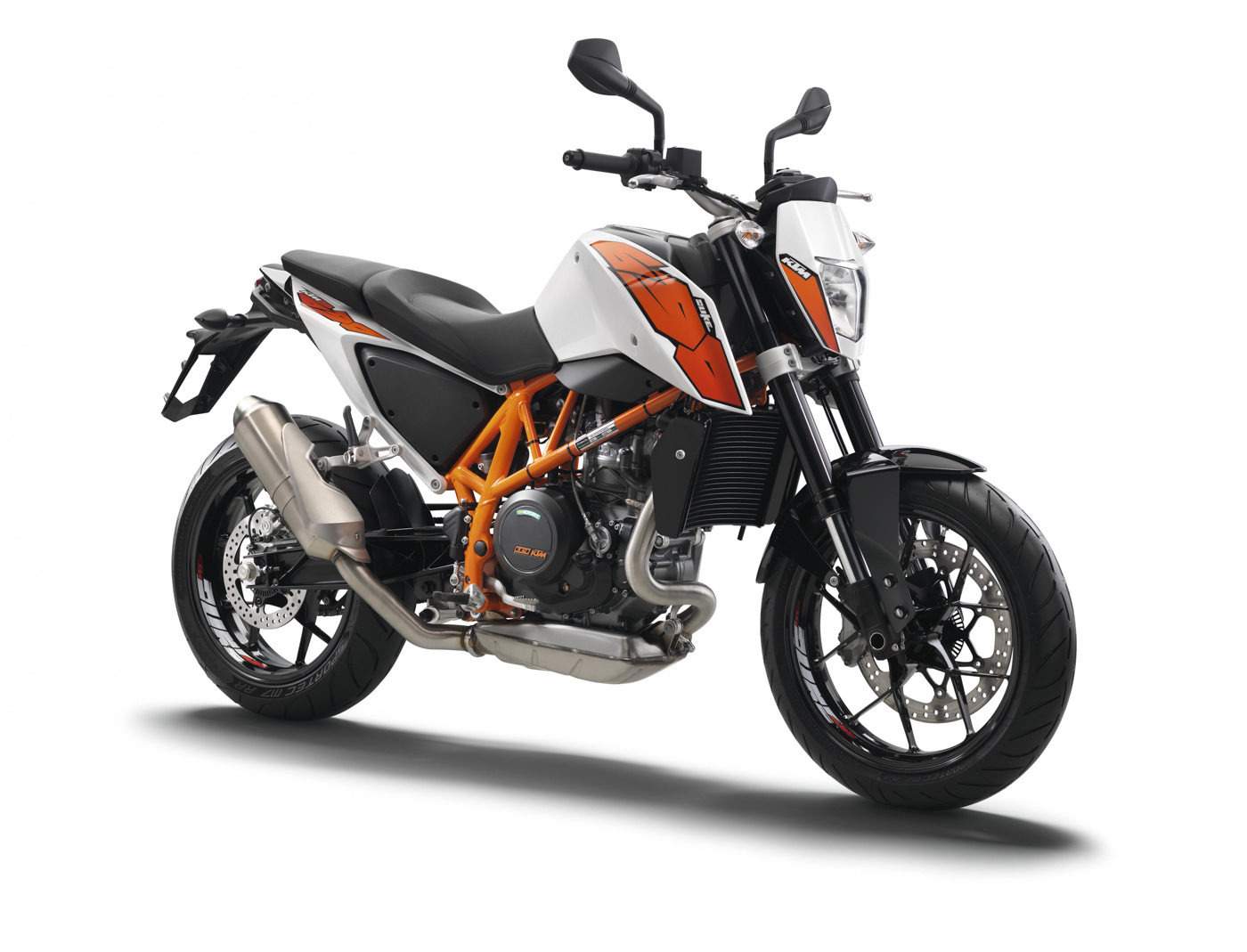 ktm 690 duke 2015 agora moto. Black Bedroom Furniture Sets. Home Design Ideas