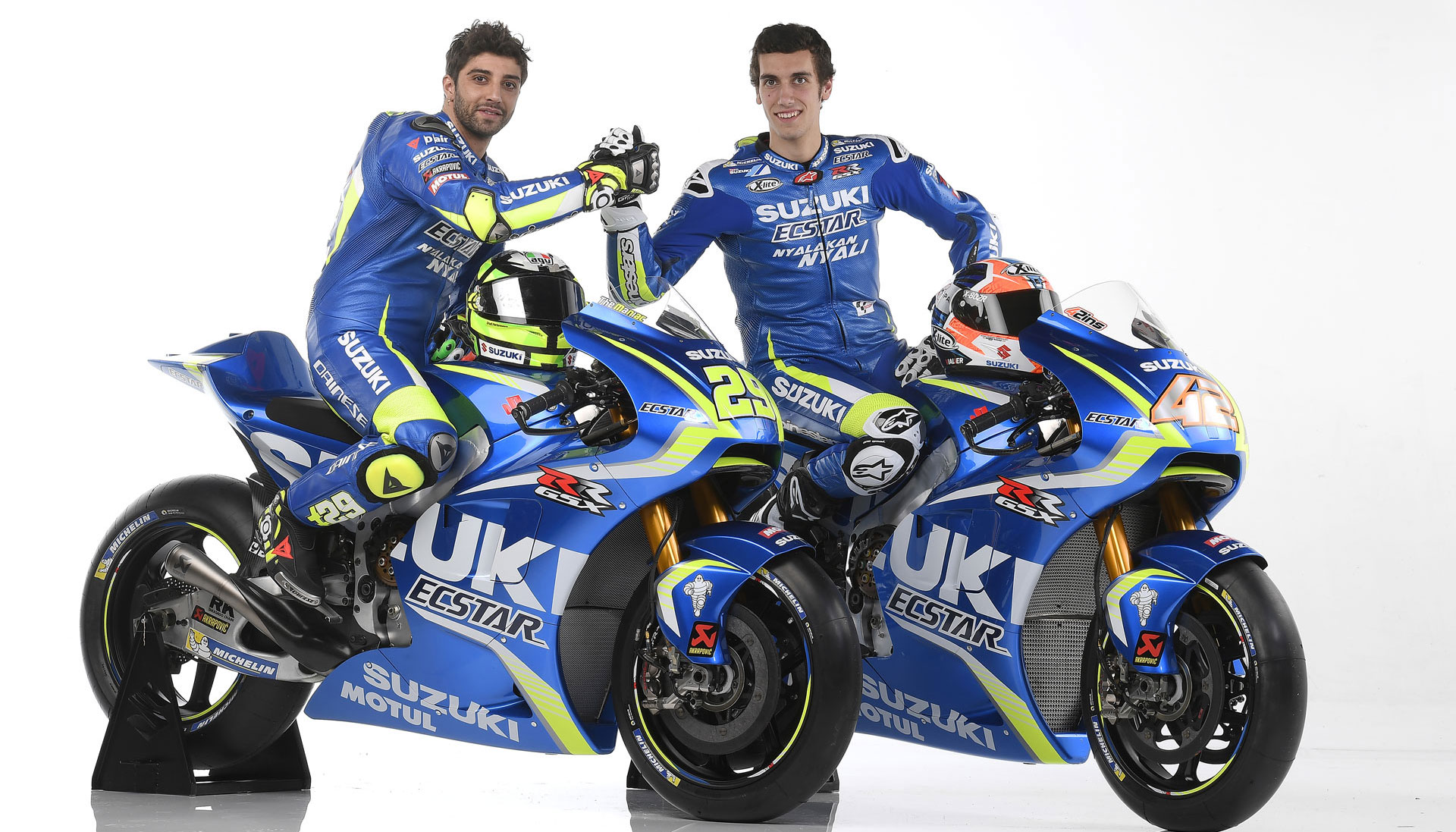 motogp pr sentation du team suzuki ecstar 2017 agora moto. Black Bedroom Furniture Sets. Home Design Ideas